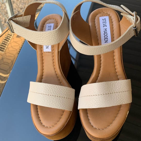 876310bcfd5 Steve Madden Belma Wedge Sandal in Tan Leather 6. M 5c5277e6de6f620288e4446b